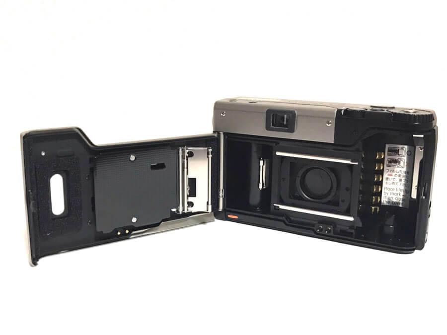 CONTAX(コンタックス)T3︎ DATA BACK(データバック)の電池の入れ方、着脱方法まとめ